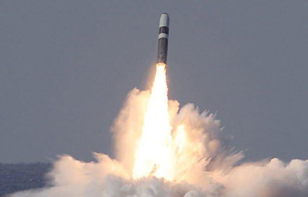 1-trident-missile